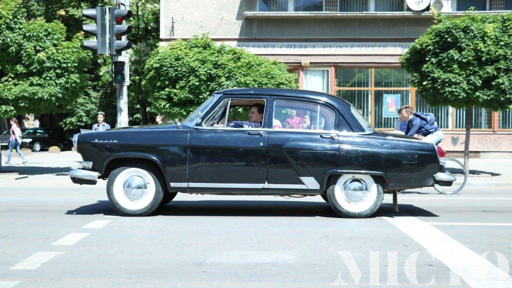 День машин у Франківську: автослалом, ретро і байкери. ФОТО, фото-12