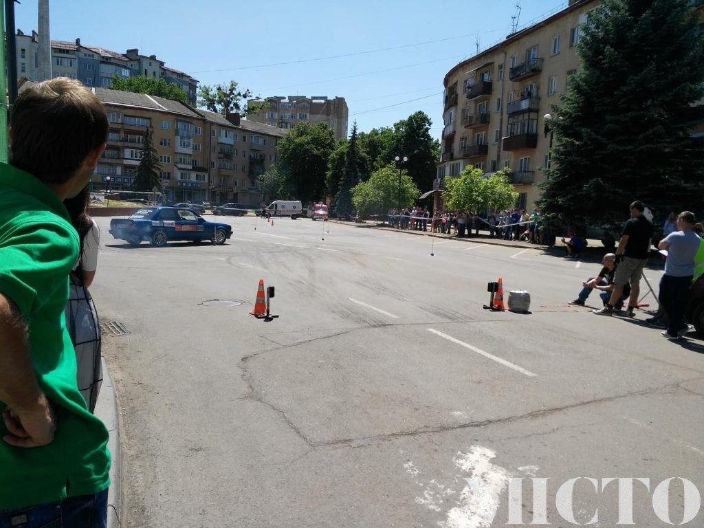 День машин у Франківську: автослалом, ретро і байкери. ФОТО, фото-14
