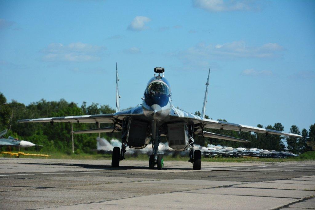 Над Франківськом літали курсанти-практиканти. ФОТО, фото-7