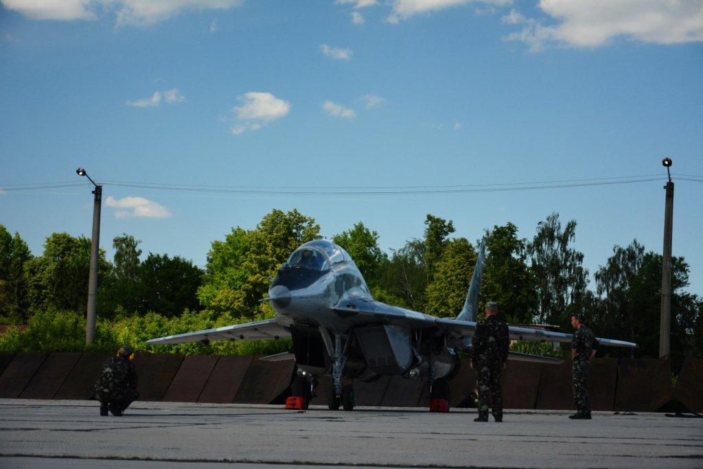 Над Франківськом літали курсанти-практиканти. ФОТО, фото-6