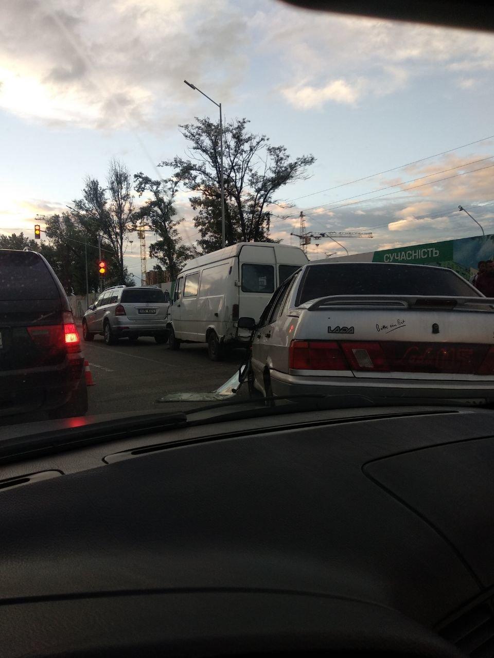 У ДТП у Франківську пасажирка із заднього сидіння вилетіла через лобове скло. ФОТО, фото-5