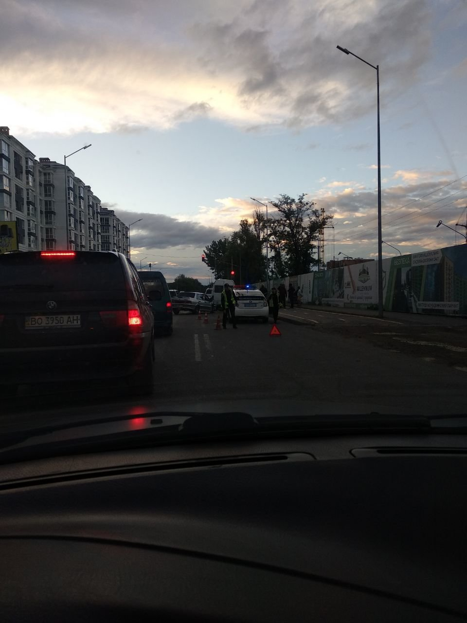 У ДТП у Франківську пасажирка із заднього сидіння вилетіла через лобове скло. ФОТО, фото-1
