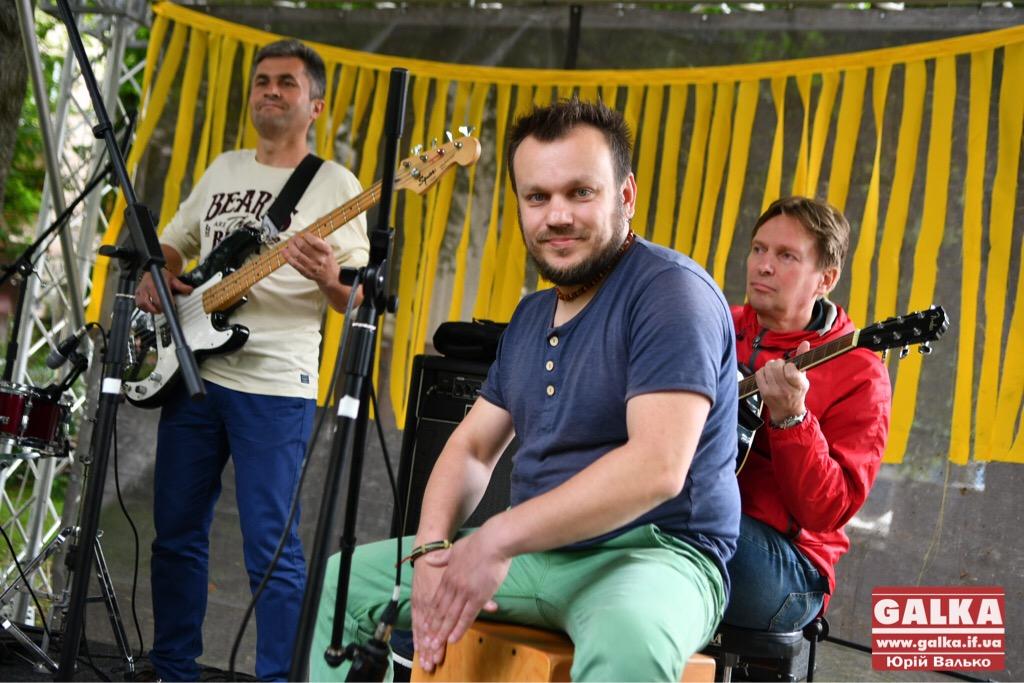 У Франківську - день вуличної музики. Плюс - поезія у барі і дискотека у тролейбусі ФОТО, фото-8