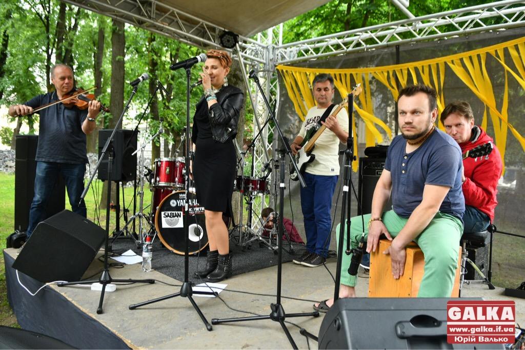 У Франківську - день вуличної музики. Плюс - поезія у барі і дискотека у тролейбусі ФОТО, фото-9