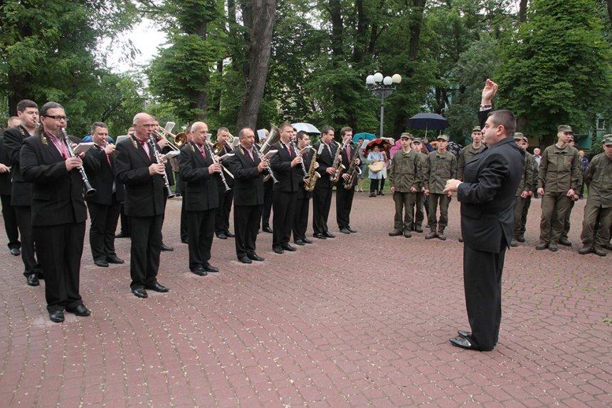 День пам'яті. У Франківську вшанували жертв політичних репресій. ФОТО, фото-2