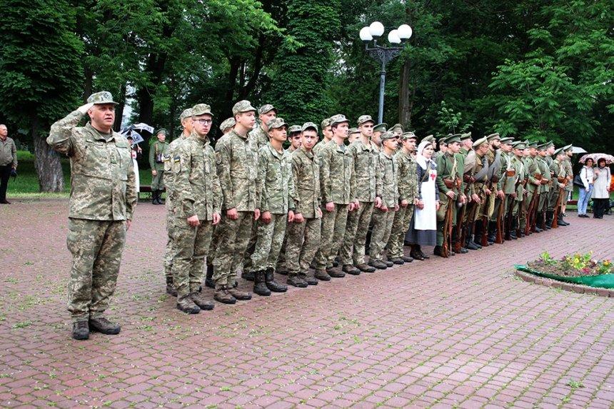 День пам'яті. У Франківську вшанували жертв політичних репресій. ФОТО, фото-9