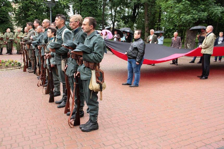 День пам'яті. У Франківську вшанували жертв політичних репресій. ФОТО, фото-3