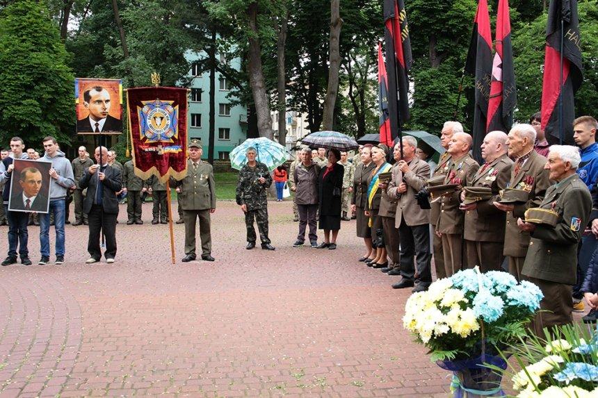 День пам'яті. У Франківську вшанували жертв політичних репресій. ФОТО, фото-6