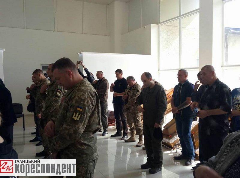 Герой із кулею в серці. Франківськ прощається із загиблим на війні Сергієм Гундером. ФОТО, фото-6