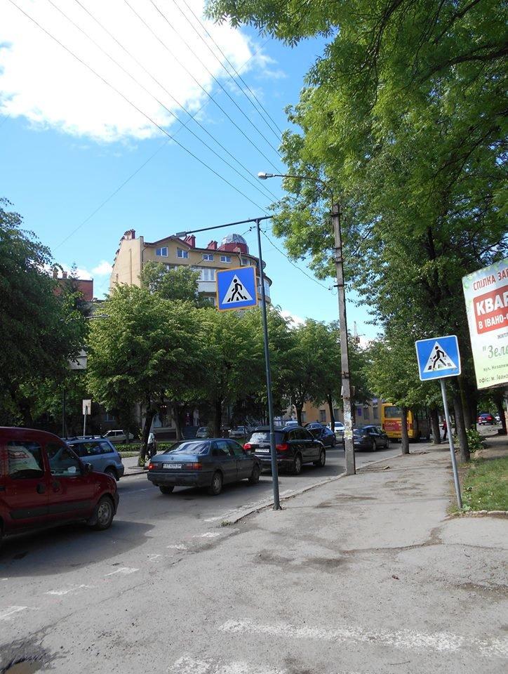 Що на узбіччях? У Франківську - нові зупинки і освітлені пішохідні переходи. ФОТО, фото-9