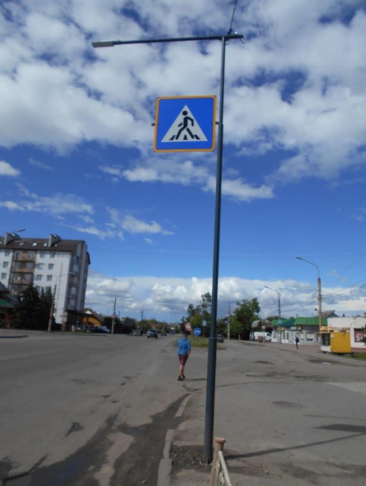 Що на узбіччях? У Франківську - нові зупинки і освітлені пішохідні переходи. ФОТО, фото-2