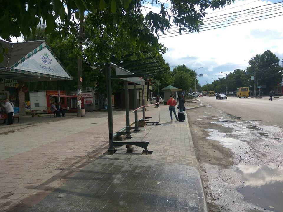 Що на узбіччях? У Франківську - нові зупинки і освітлені пішохідні переходи. ФОТО, фото-17