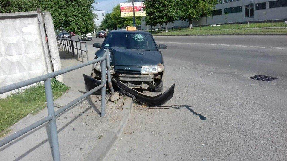 У Франківську - ДТП зі зниклим... водієм. ФОТО, фото-2