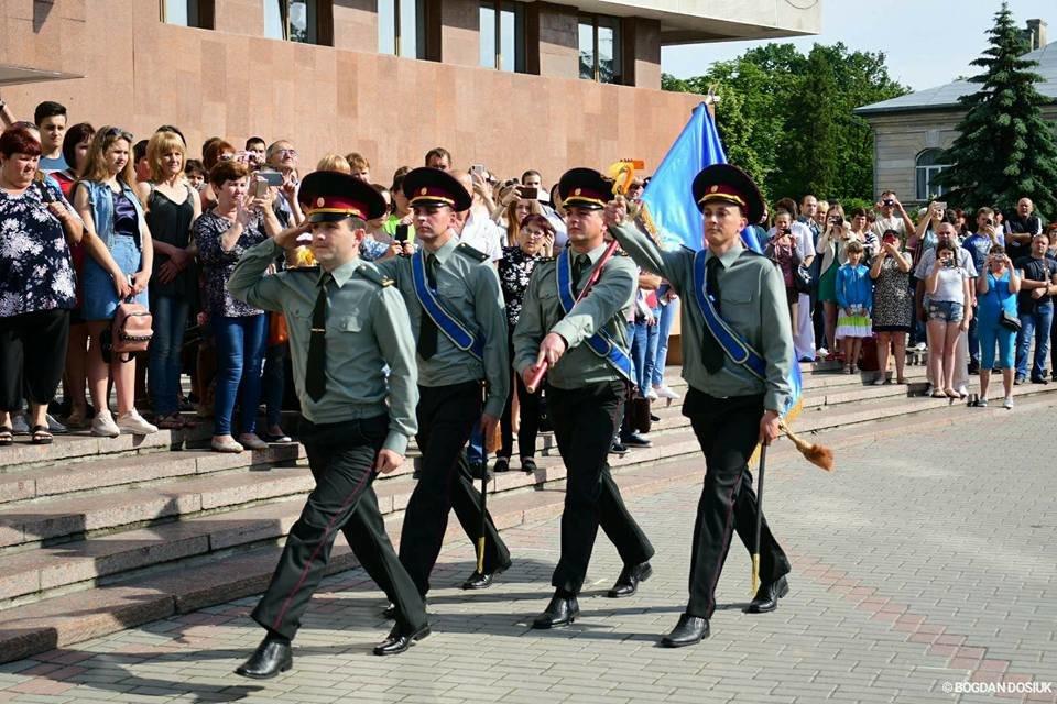 127 Нацгвардійців у Франківську урочисто присягнули на вірність Україні. ФОТО, фото-6