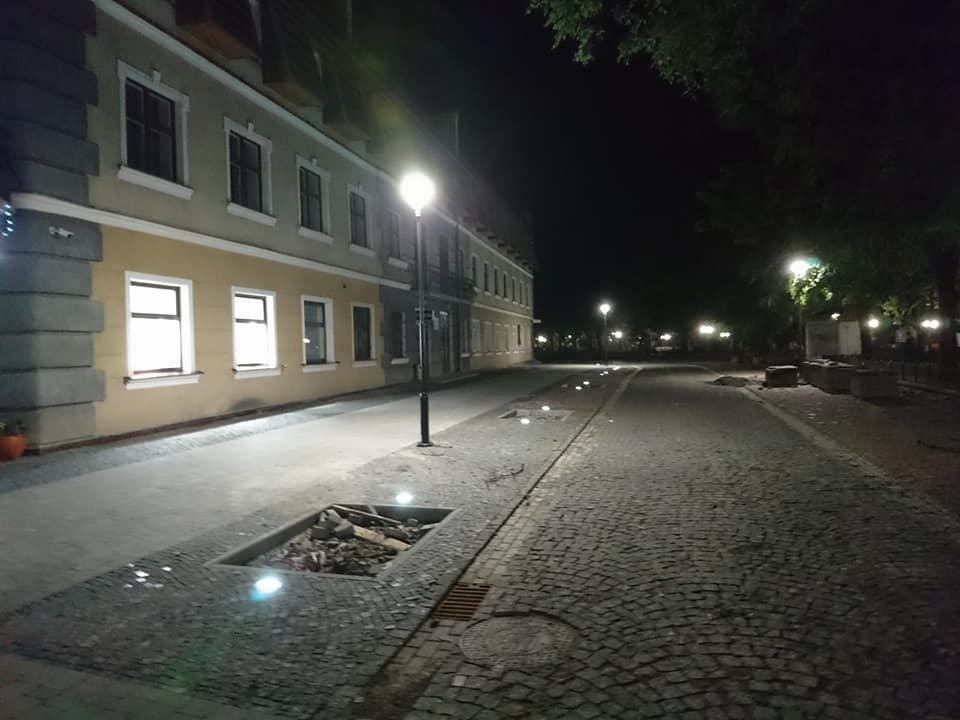На вулиці Лесі Українки у Франківську увечері світять нові ліхтарі. ФОТО, фото-3
