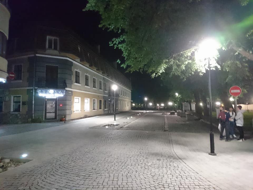 На вулиці Лесі Українки у Франківську увечері світять нові ліхтарі. ФОТО, фото-4