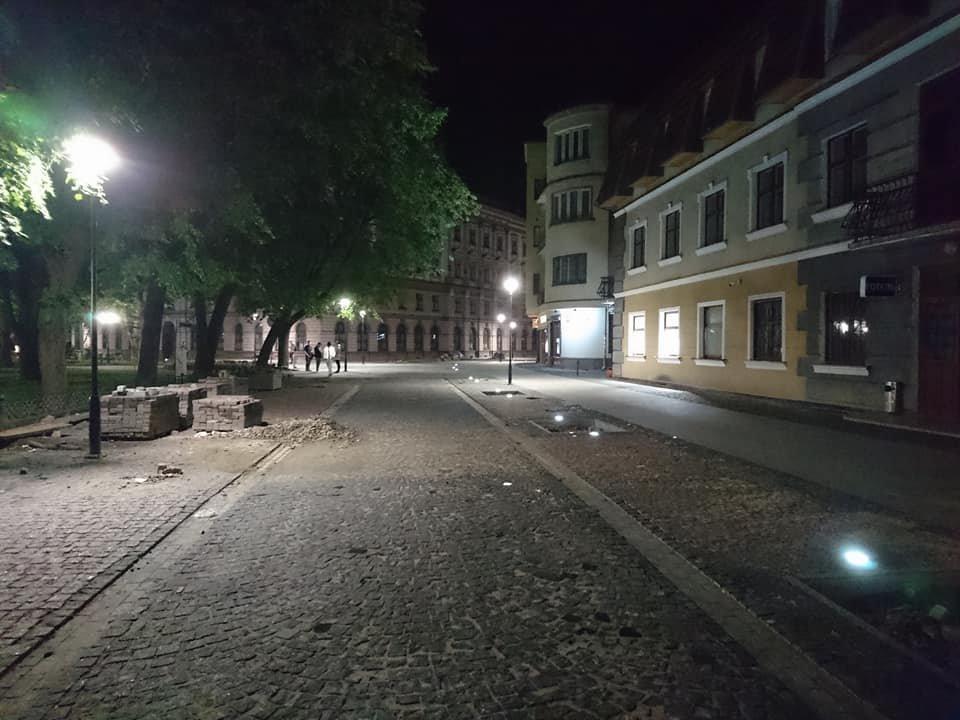На вулиці Лесі Українки у Франківську увечері світять нові ліхтарі. ФОТО, фото-9