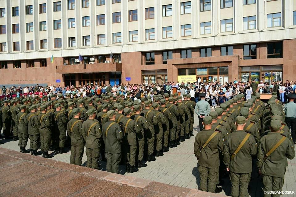 127 Нацгвардійців у Франківську урочисто присягнули на вірність Україні. ФОТО, фото-16
