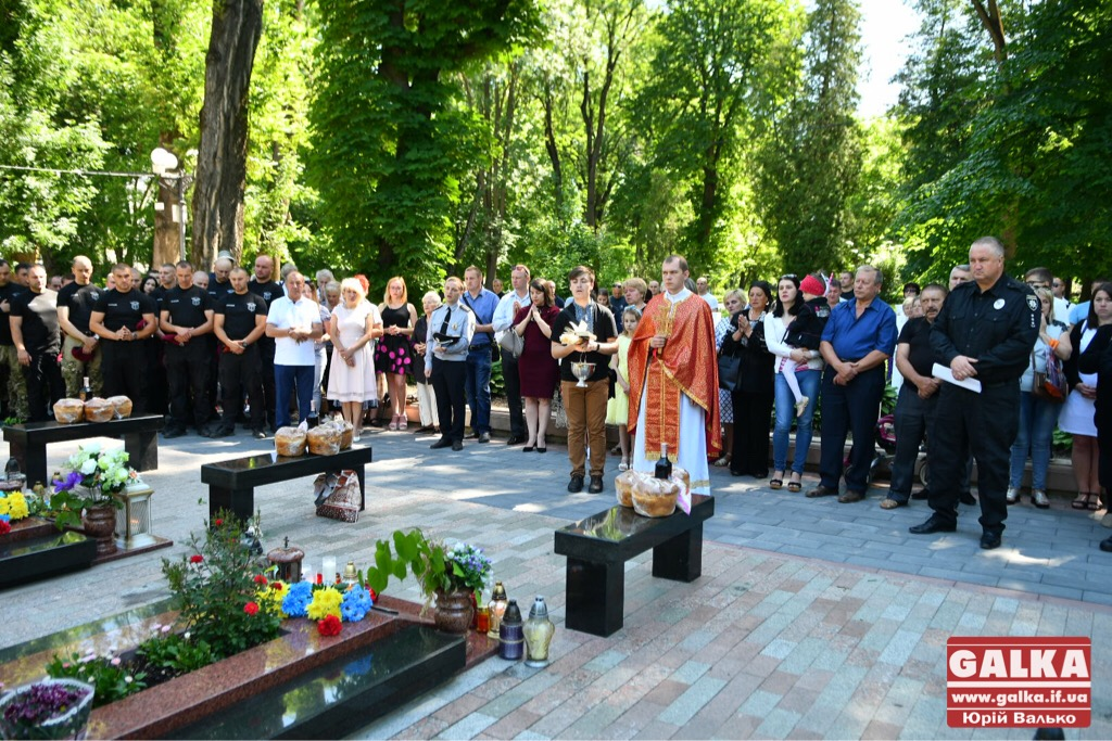 У Франківську вшанували бійців, які першими загинули в неоголошеній війні на сході України. ФОТО, фото-11