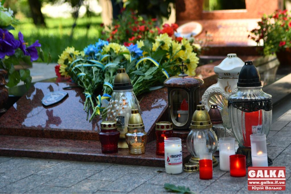 У Франківську вшанували бійців, які першими загинули в неоголошеній війні на сході України. ФОТО, фото-7