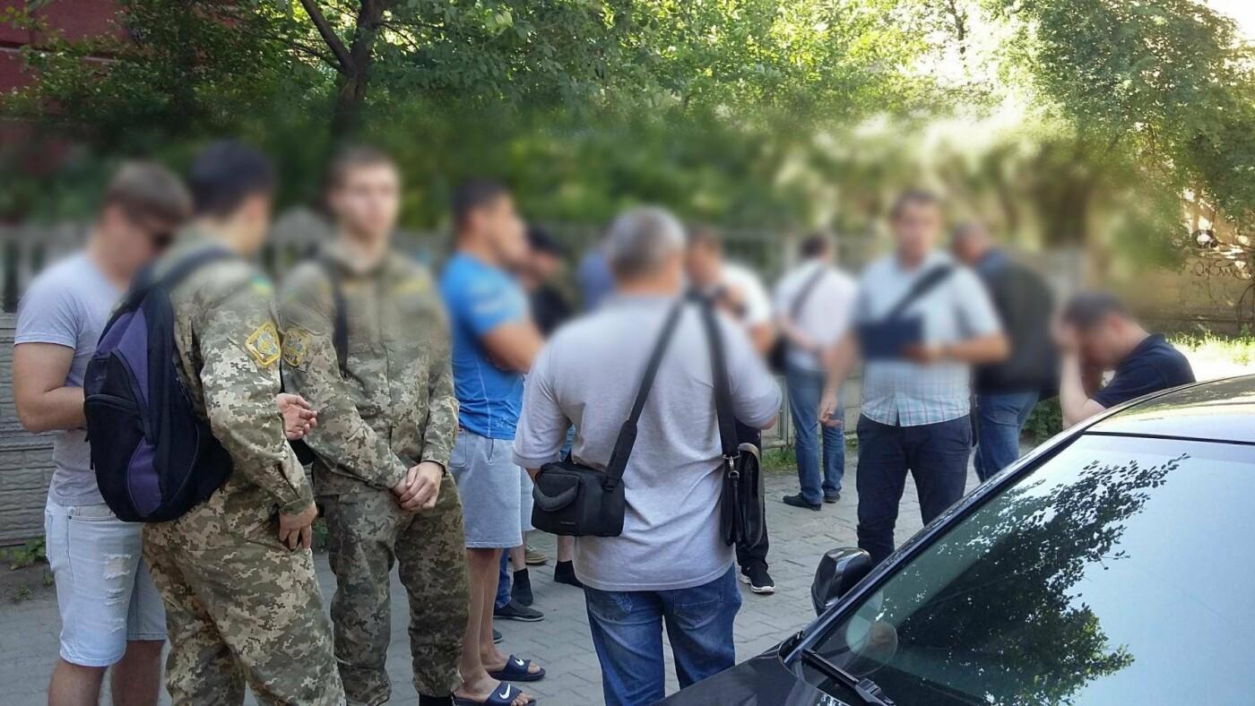 У Франківську та області затримали групу осіб-вимагальників. ФОТО, фото-8