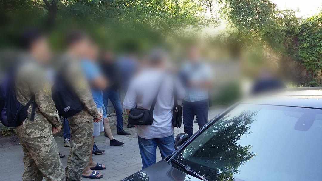 У Франківську та області затримали групу осіб-вимагальників. ФОТО, фото-4