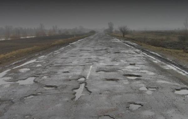 """""""Чумацький шлях"""": на Прикарпатті люди перекрили дорогу, вимагаючи її ремонту. ФОТО. ВІДЕО, фото-1"""