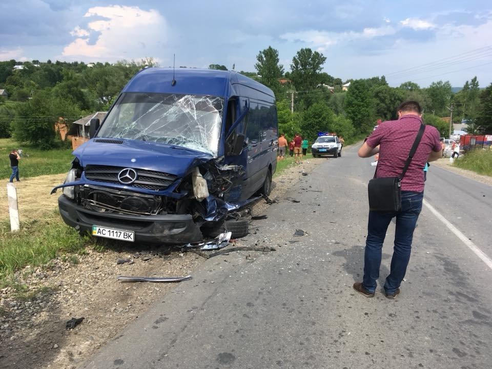 Смертельний обгін: у ДТП на Прикарпатті загинув 35-річний водій. ФОТО, фото-1