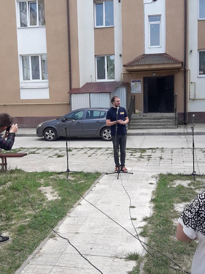 В селі Микитинці в одному з дворів відкрито дитячий майданчик, фото-4