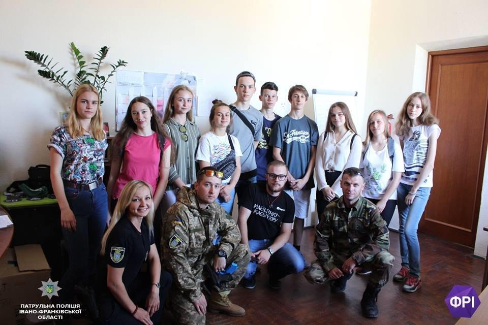 Франківські школярі п'ять днів вивчали роботу патрульних. ФОТО, фото-1