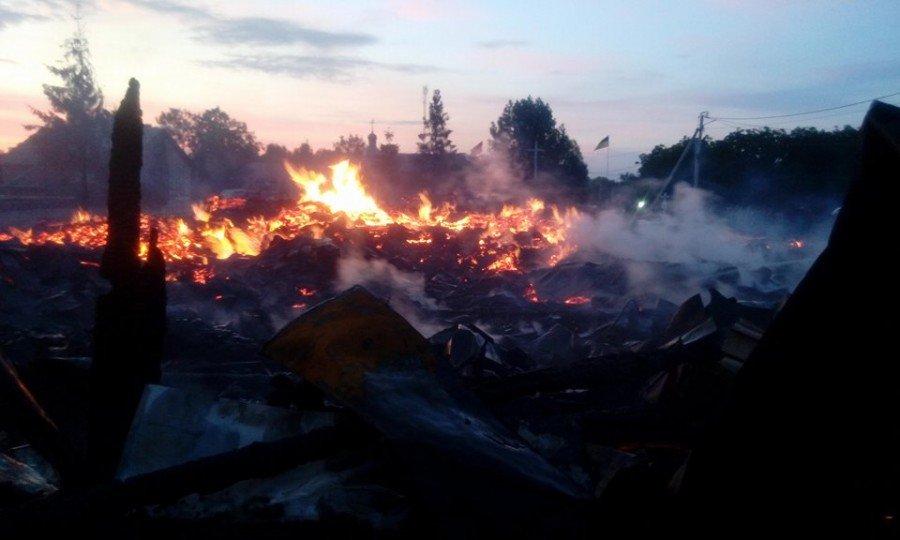 На Прикарпатті повністю вигоріла церква. ФОТО. ВІДЕО. ОНОВЛЕНО, фото-4