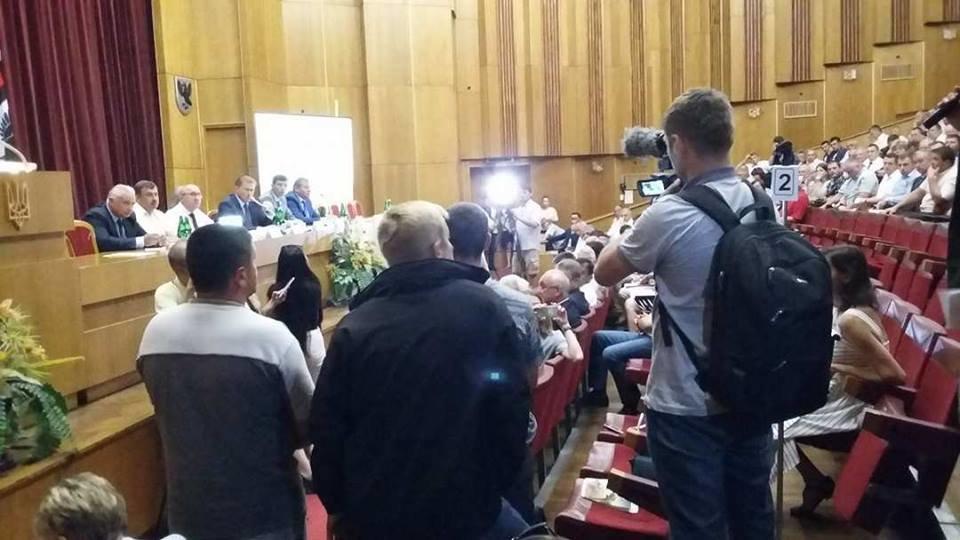 """За ремонт дороги """"Яблунів-Делятин"""" блокувальники прийшли на нараду в ОДА. ФОТО, фото-3"""