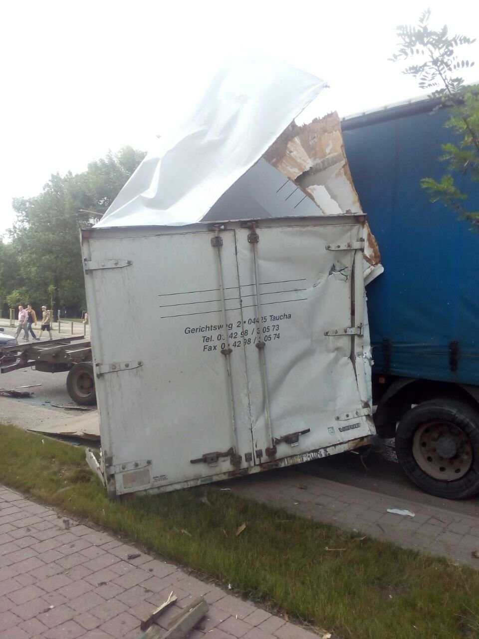 ДТП на Пасічній: у вантажівки відмовили гальма, 4 машини пошкоджено. ФОТО, фото-1