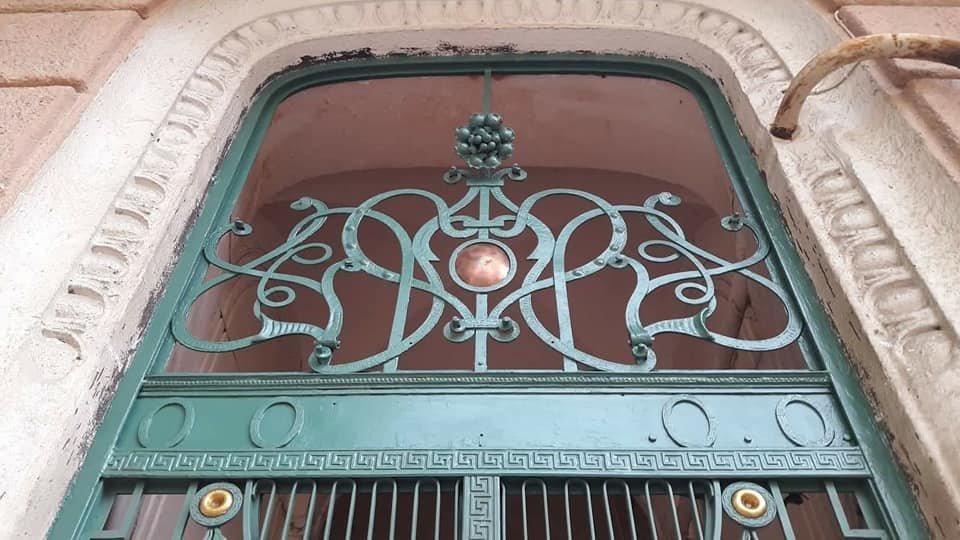 У Франківську на вулиці Шевченка з'явились відреставровані двері. ФОТО, фото-9