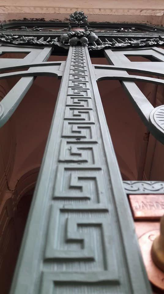 У Франківську на вулиці Шевченка з'явились відреставровані двері. ФОТО, фото-4