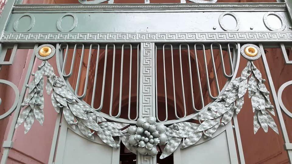У Франківську на вулиці Шевченка з'явились відреставровані двері. ФОТО, фото-8