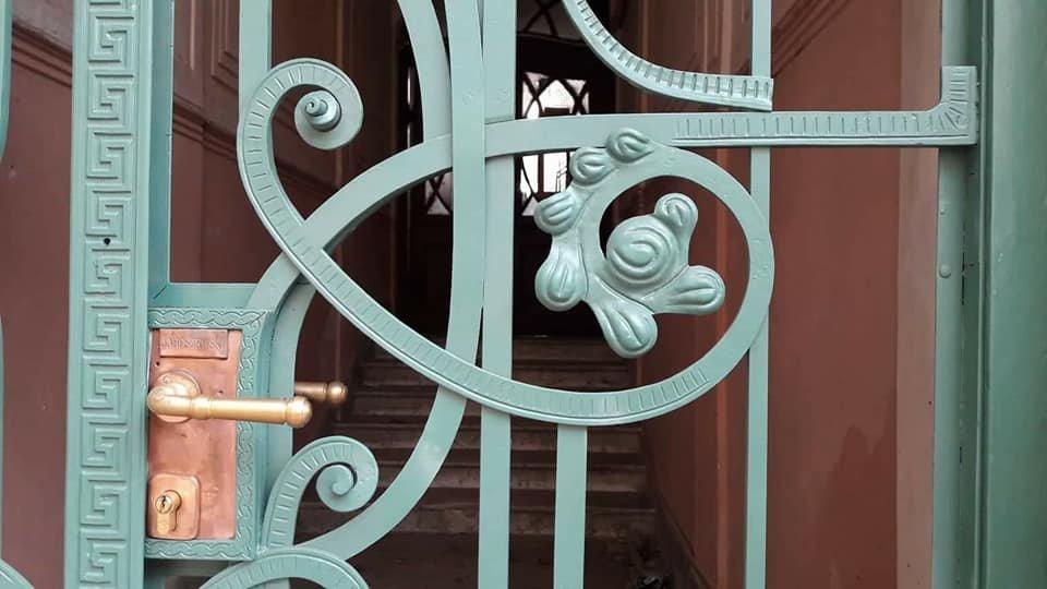 У Франківську на вулиці Шевченка з'явились відреставровані двері. ФОТО, фото-5
