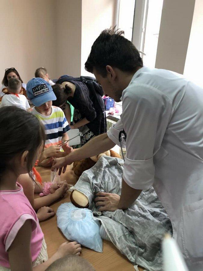Діти у франківському таборі лікували...ведмежат. ФОТО, фото-1