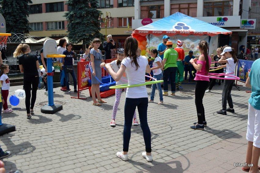 Проект, який об'єднує родини: у Франківську відбулось Свято Морозива. ФОТО, фото-5