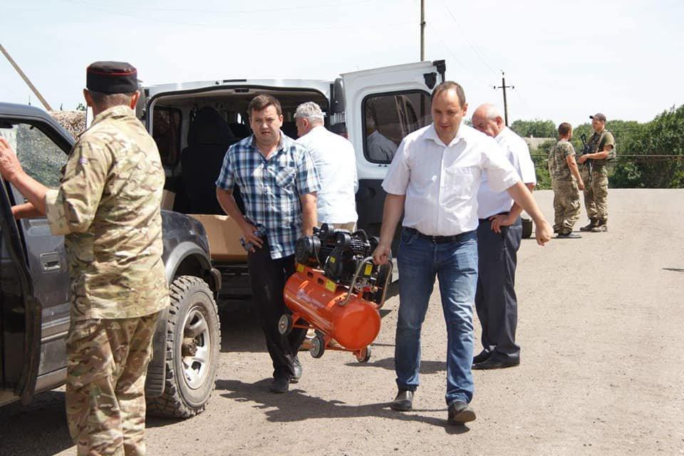 Мер Франківська передав допомогу українським бійцям у зоні АТО. ФОТО, фото-3