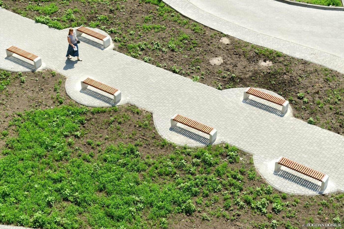 До міської поліклініки №1 тепер можна дістатися новими доріжками. ФОТО, фото-2