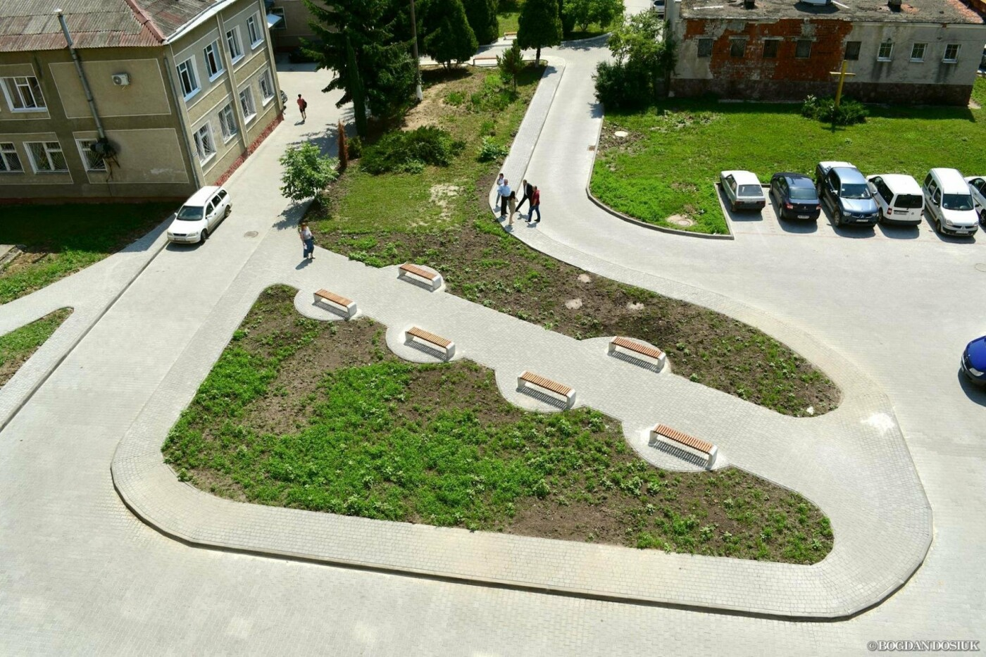 До міської поліклініки №1 тепер можна дістатися новими доріжками. ФОТО, фото-3