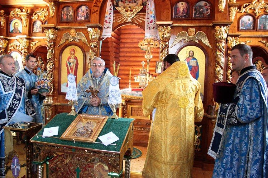 Під опікою Далешівської Богородиці. 107-й храм Автокефальної церкви освятили на Прикарпатті. ФОТО, фото-9