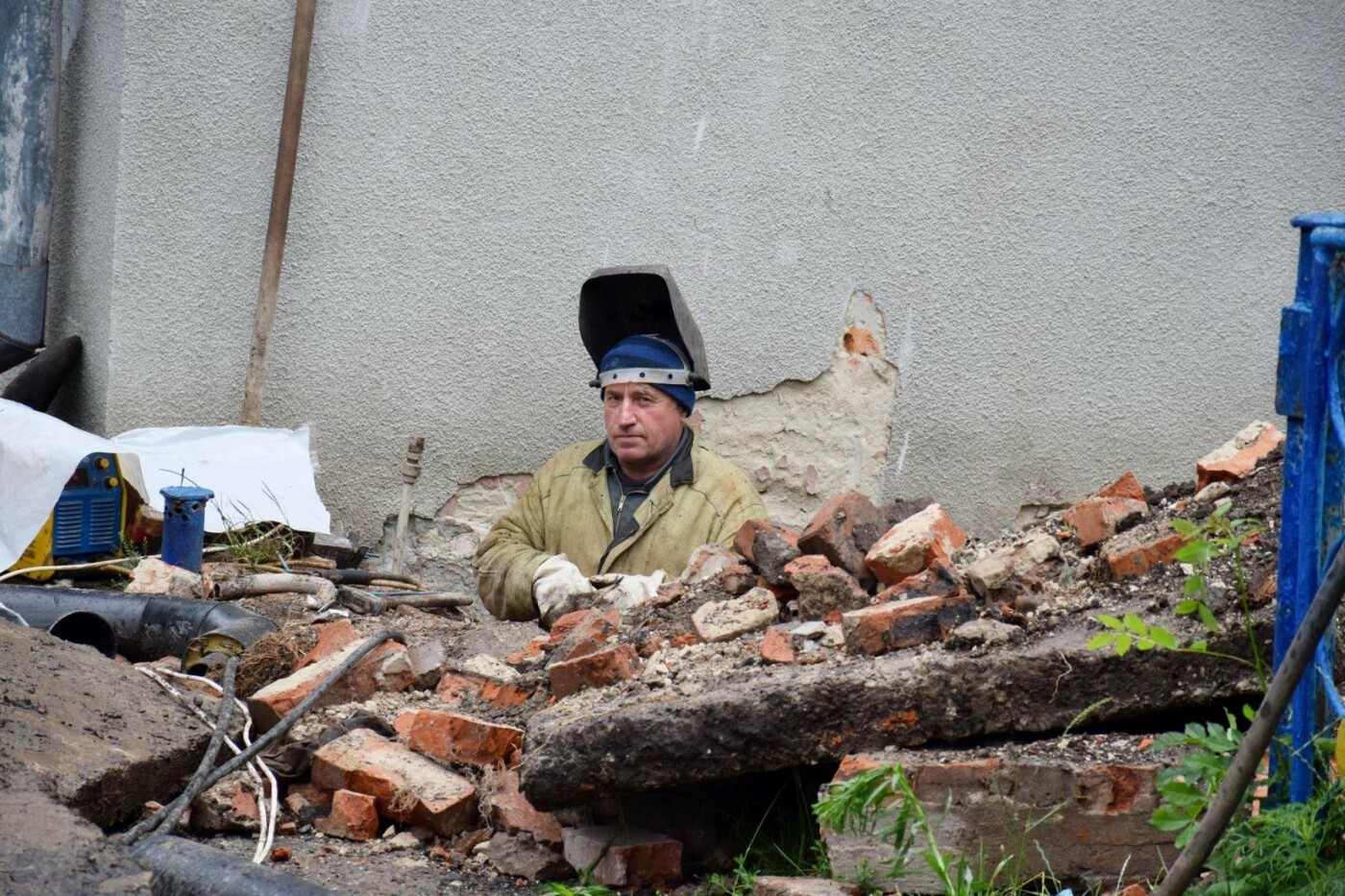 Діти відпочивають - дорослі ремонтують школи. ФОТО, фото-4