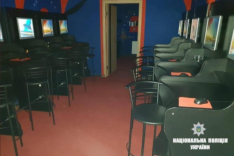 Прикарпатська поліція закрила сім підпільних гральних закладів. ФОТО, фото-5