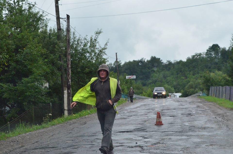 Дієвий протест: розпочали ремонт дороги Яблунів-Делятин. ФОТО, фото-1