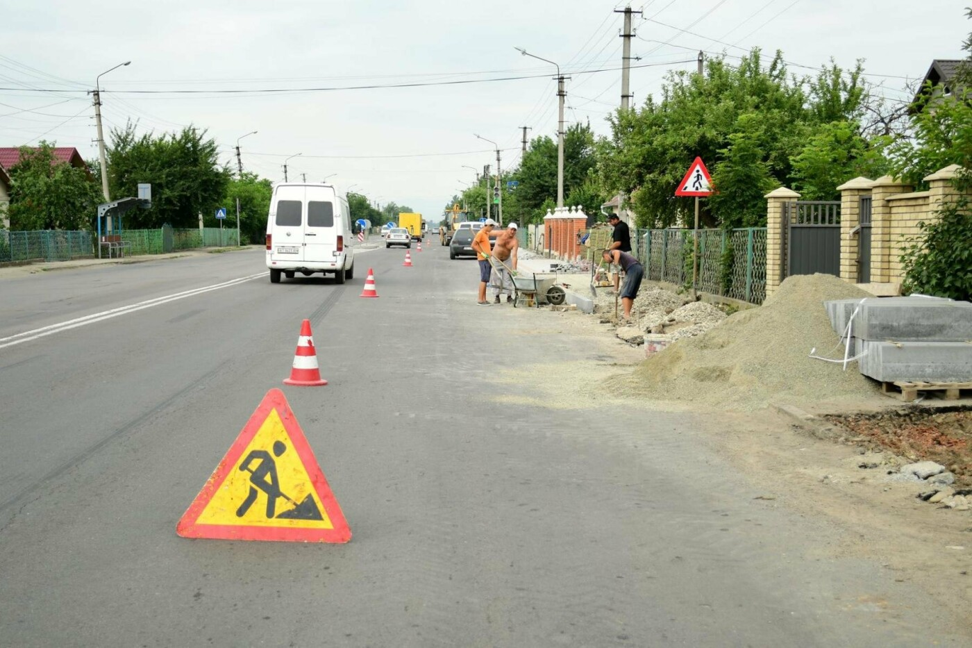 В Крихівцях та Вовчинці облаштовують тротуари. ФОТО, фото-1