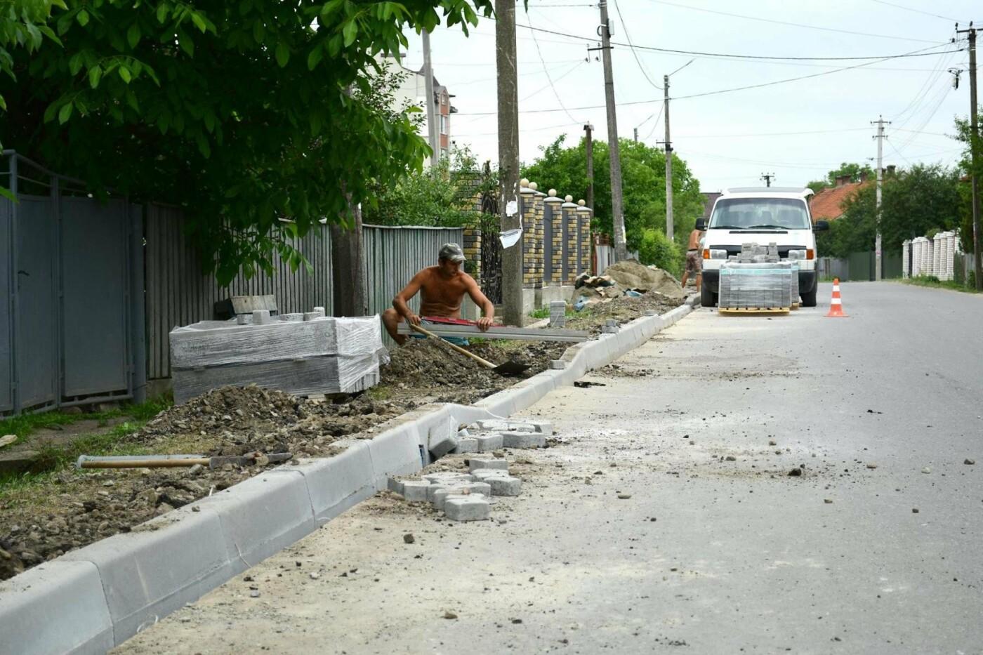 В Крихівцях та Вовчинці облаштовують тротуари. ФОТО, фото-5