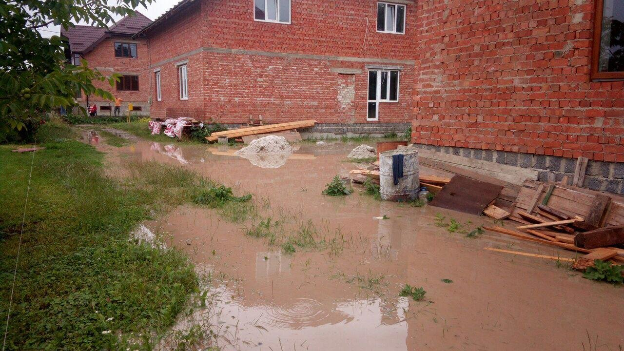 Жителі підтопленого Клузова просять про допомогу. ФОТО, фото-5