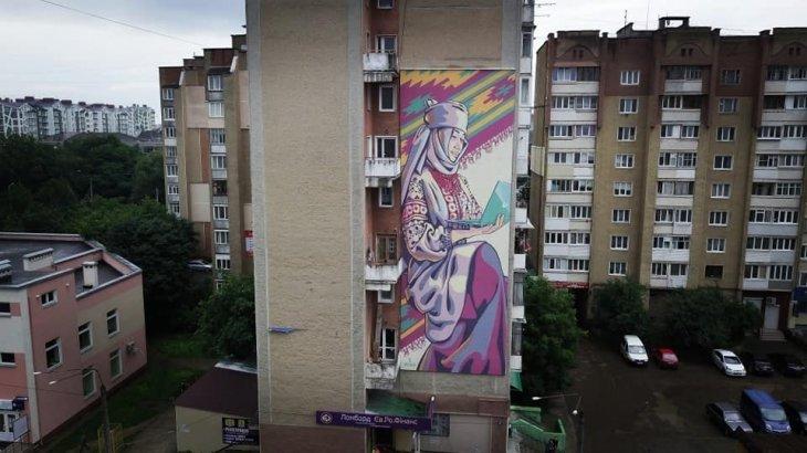 У Франківську з'явився новий сучасний мурал. ФОТО, фото-2